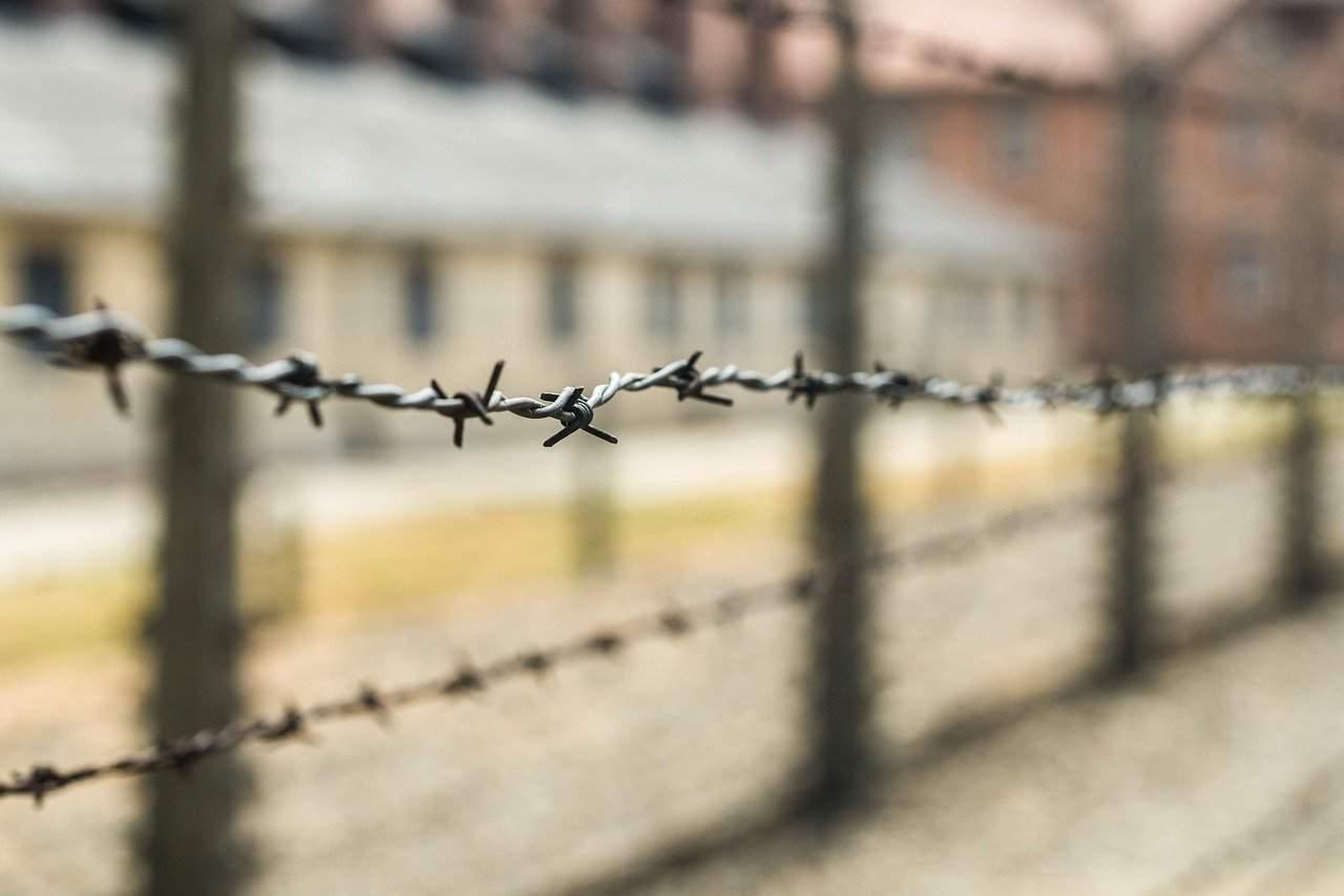 Significato e differenze Shoah Olocausto