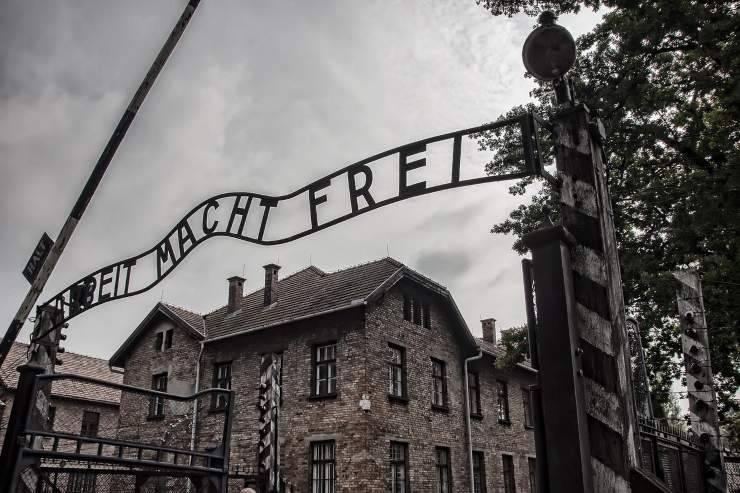 Shoah e Olocausto qual è la differenza