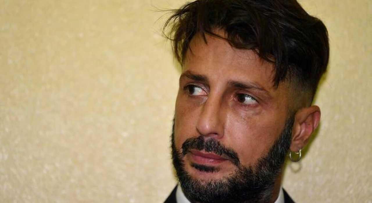 """Fabrizio Corona ammette la verità: """"Pieno di gravi problemi"""""""