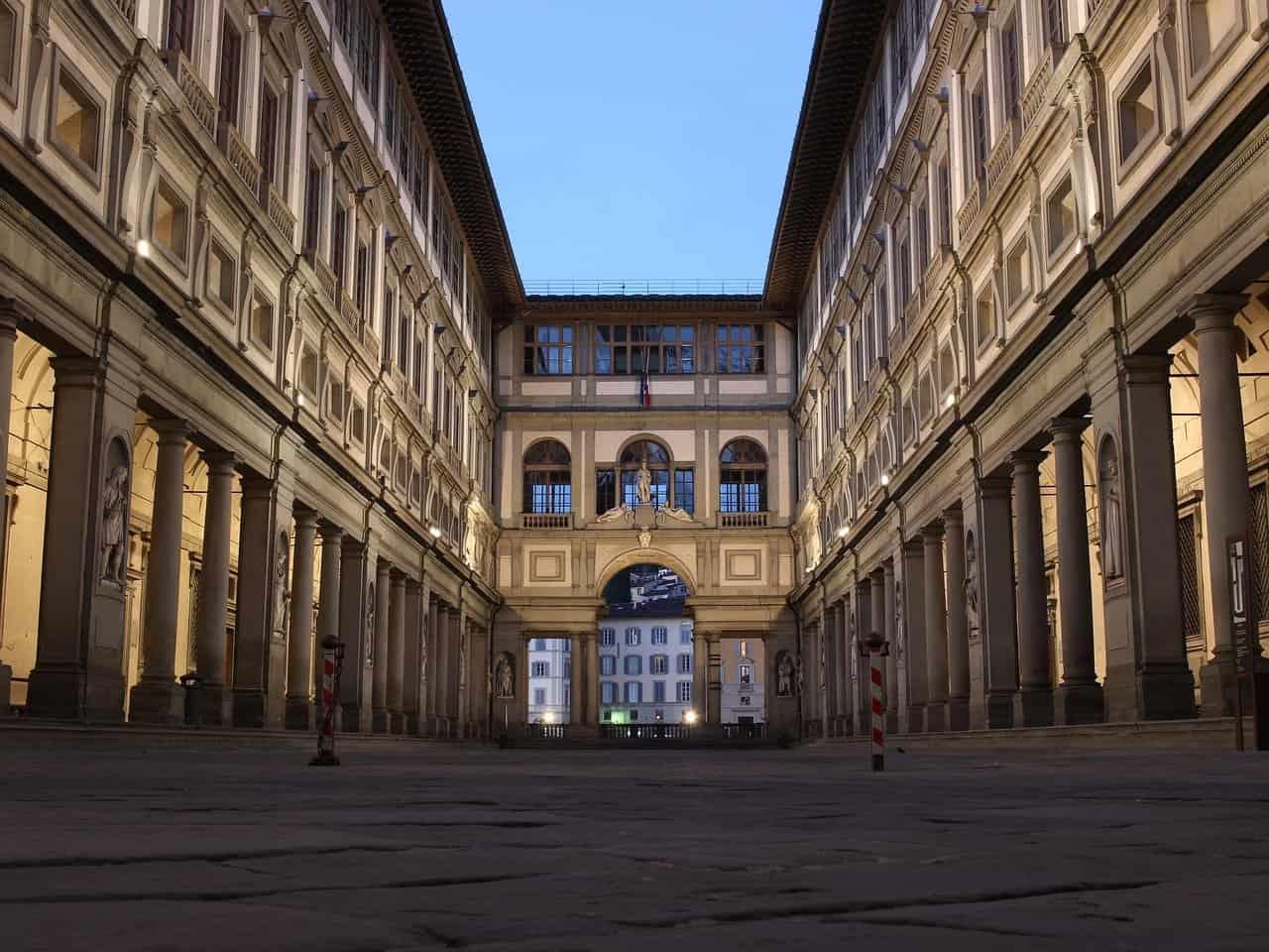 musei aperti uffizi