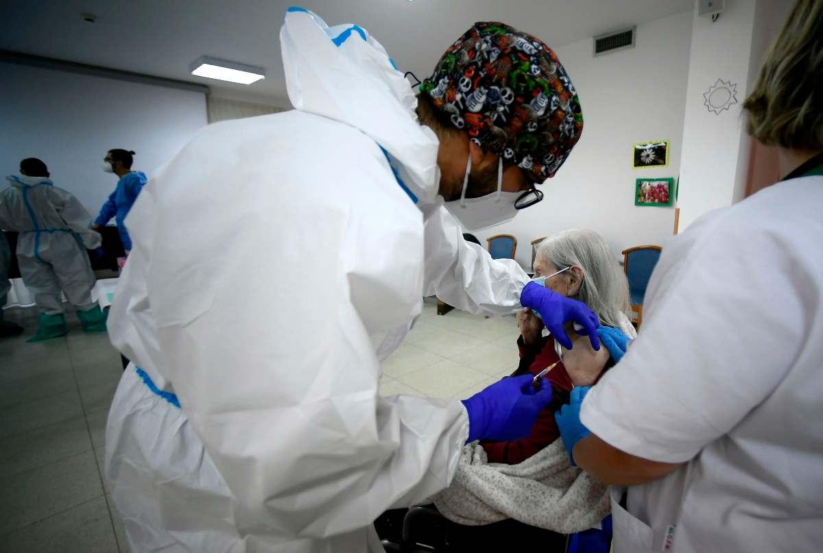 Vaccino anti Covid, tagli alle Regioni: quali sono le più colpite?