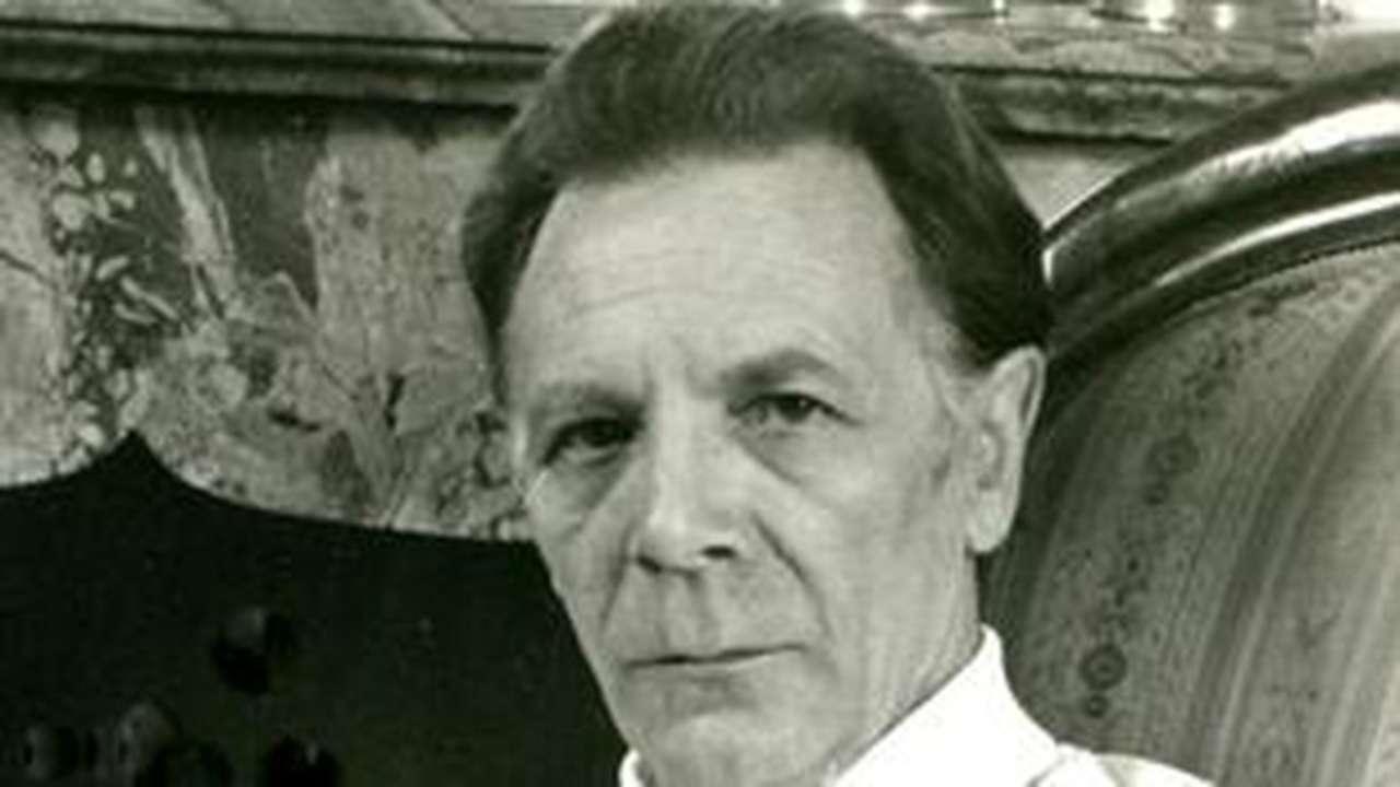 Angelo Efrikian chi era