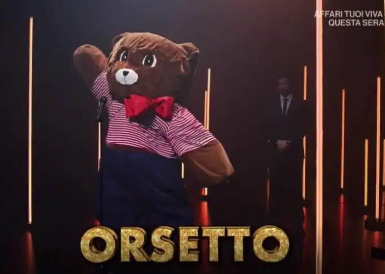 Orsetto, Il cantante mascherato