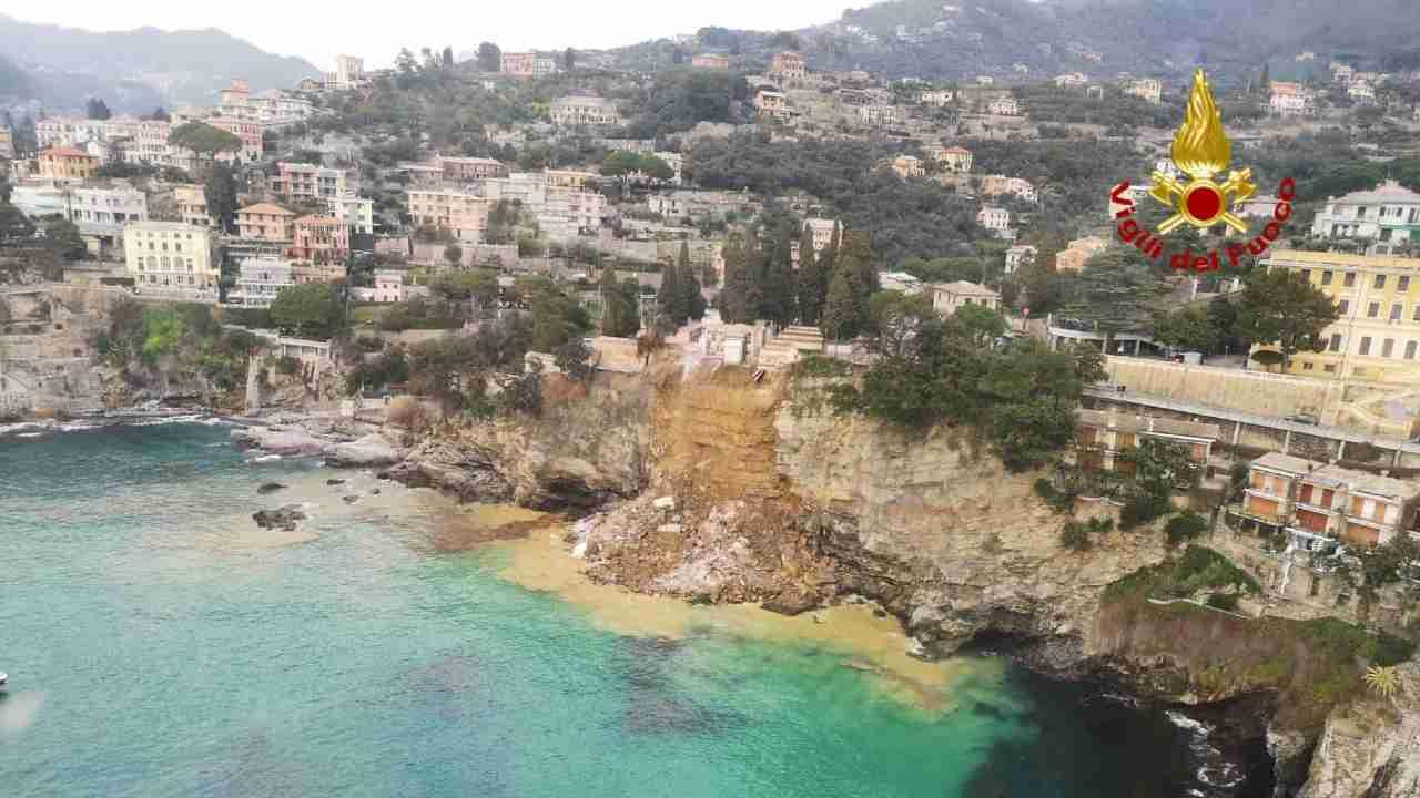 Cimitero di Camogli crollato, i gabbiani mangiano le salme – VIDEO