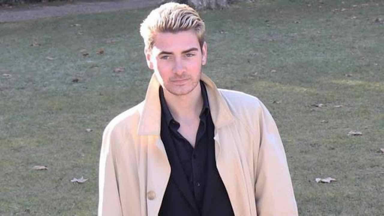 Federico Schiraldi |  21enne precipita dal quarto piano a Firenze e muore |  aveva passato la serata in casa insieme a un gruppo di amici