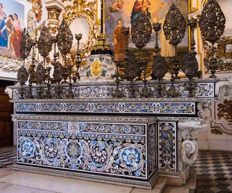 L'altare della Certosa di San Lorenzo