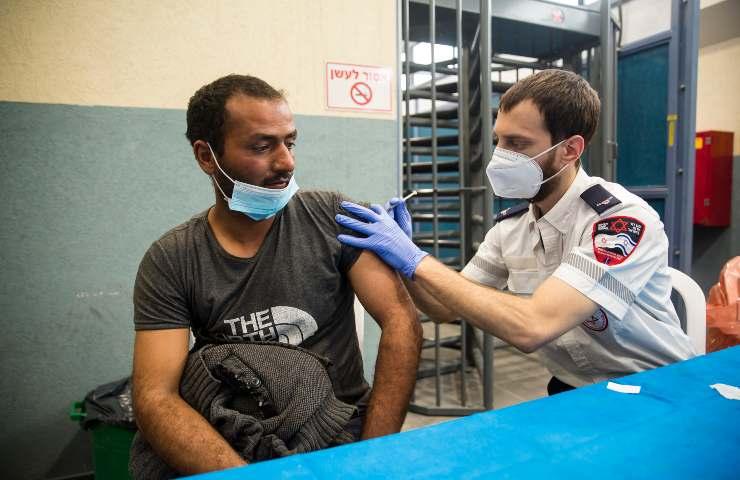 Burioni sul vaccino in Israele