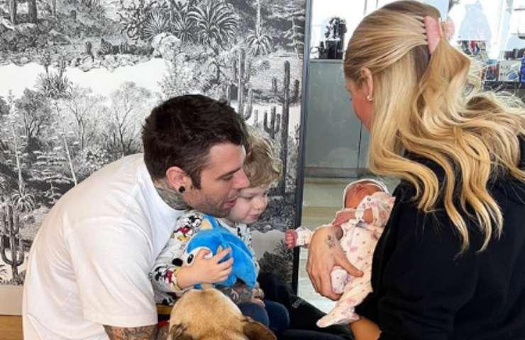 Chiara Ferragni con Fedez e figli