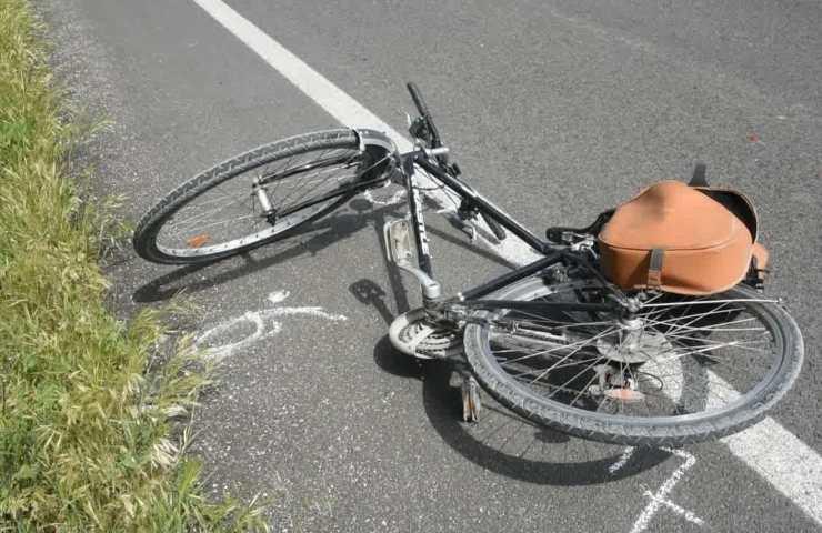 ciclista morto investito