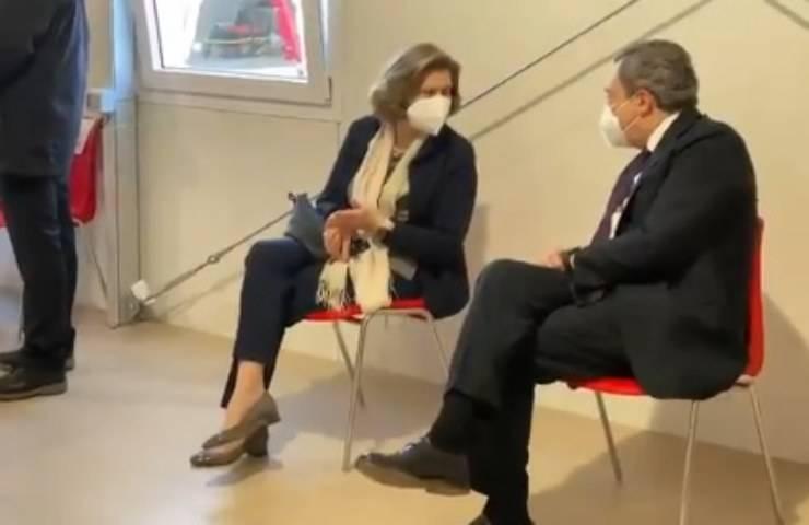 Mario Draghi e la moglie ottengono il vaccino Astrazeneca
