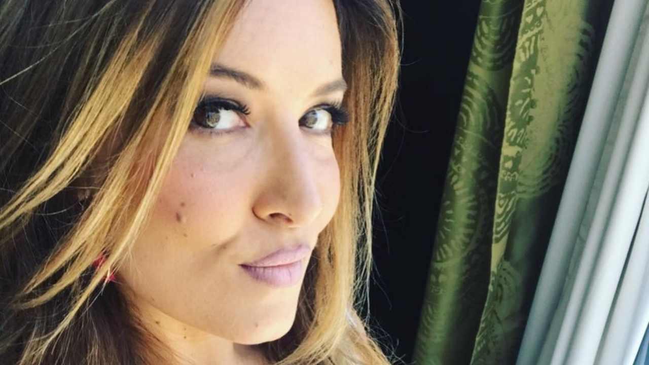 Selvaggia Lucarelli si infuria: pesantissima la denuncia sui social network