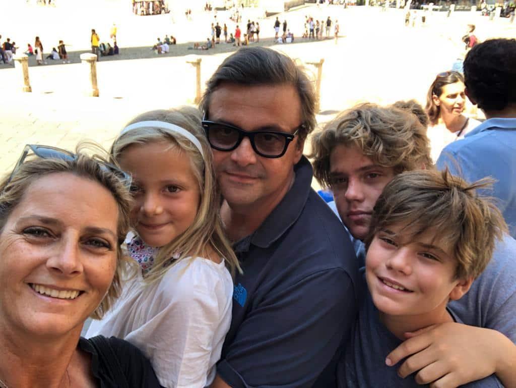 Carlo Calenda padre a soli 16 anni: la relazione con la segretaria del patrigno