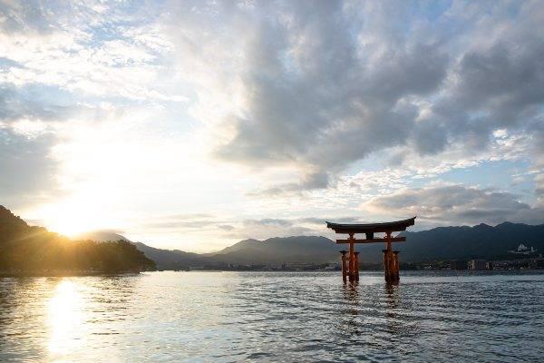 Templio di Miyajima (unsplash) cose non fare giappone
