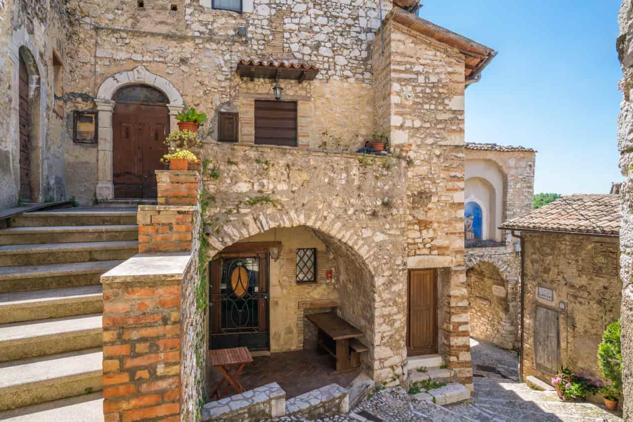 turismo italia alberghi diffusi
