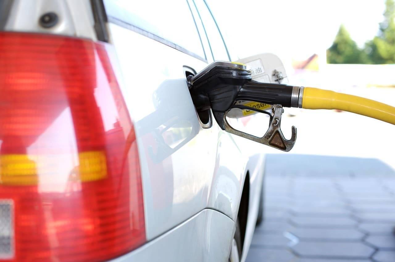Come consumare meno benzina |  i trucchi geniali