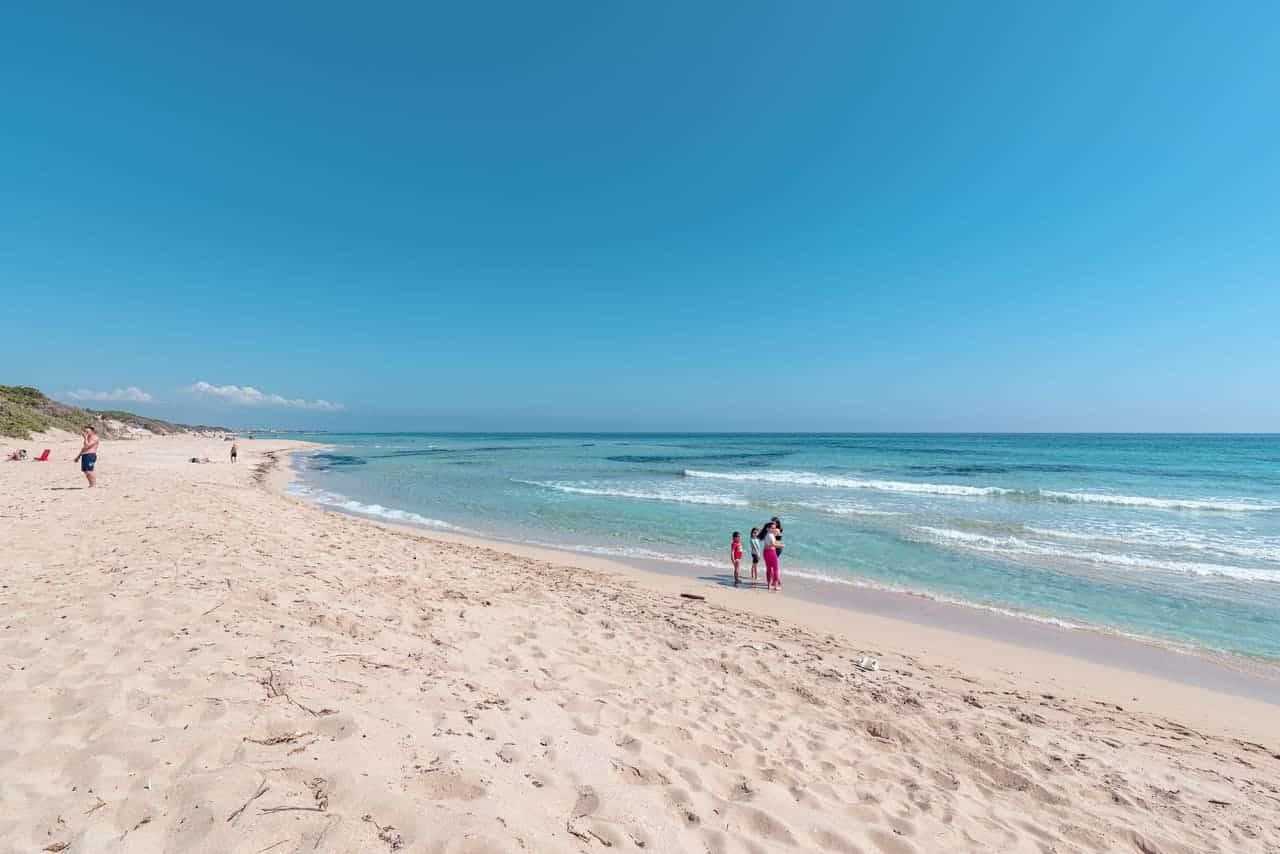 La spiaggia caraibica più bella d'Italia: mare da sogno e sabbia bianca