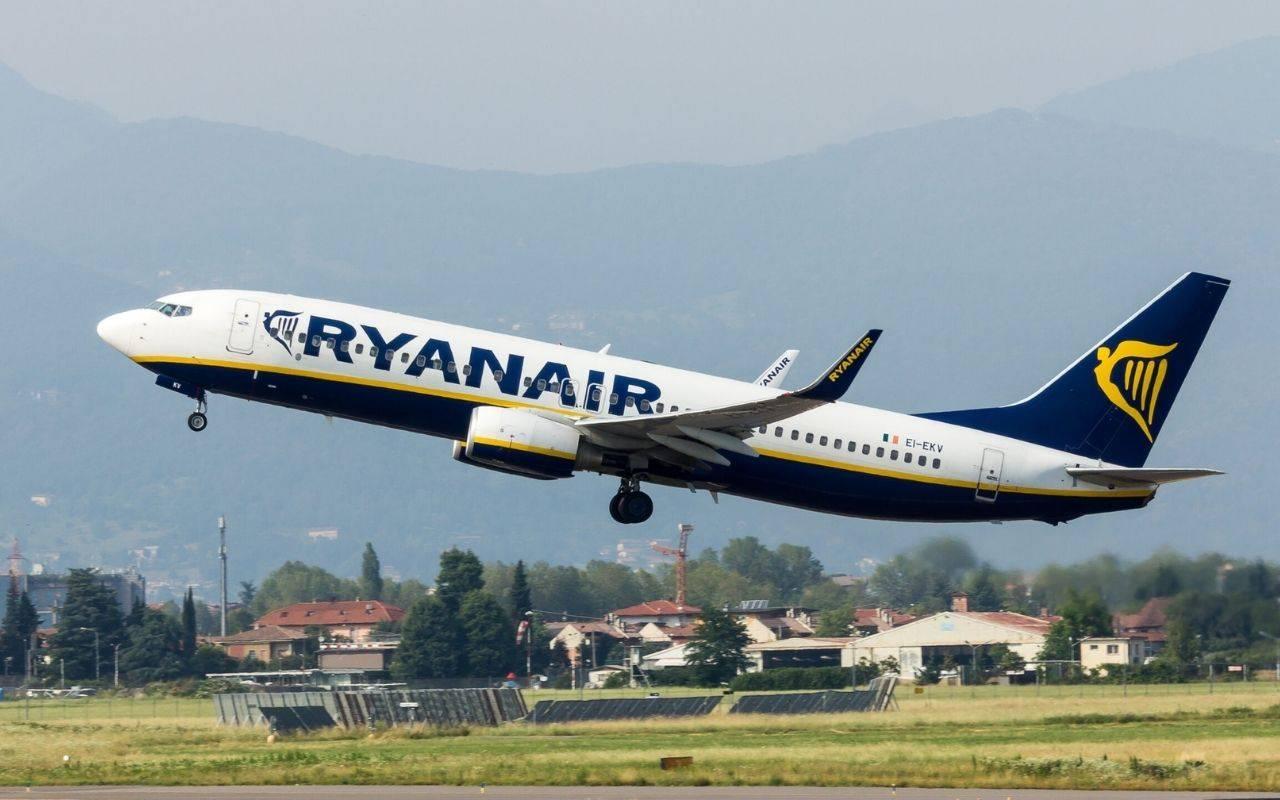 Come si cambia nome al biglietto aereo Ryanais