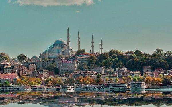 Can yaman testimonial Turchia