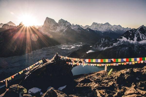 Nepal (pixabay) dove vivere pochi soldi