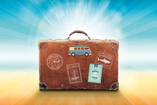 Preparare la valigia (pixabay) viaggiare da soli scaletta