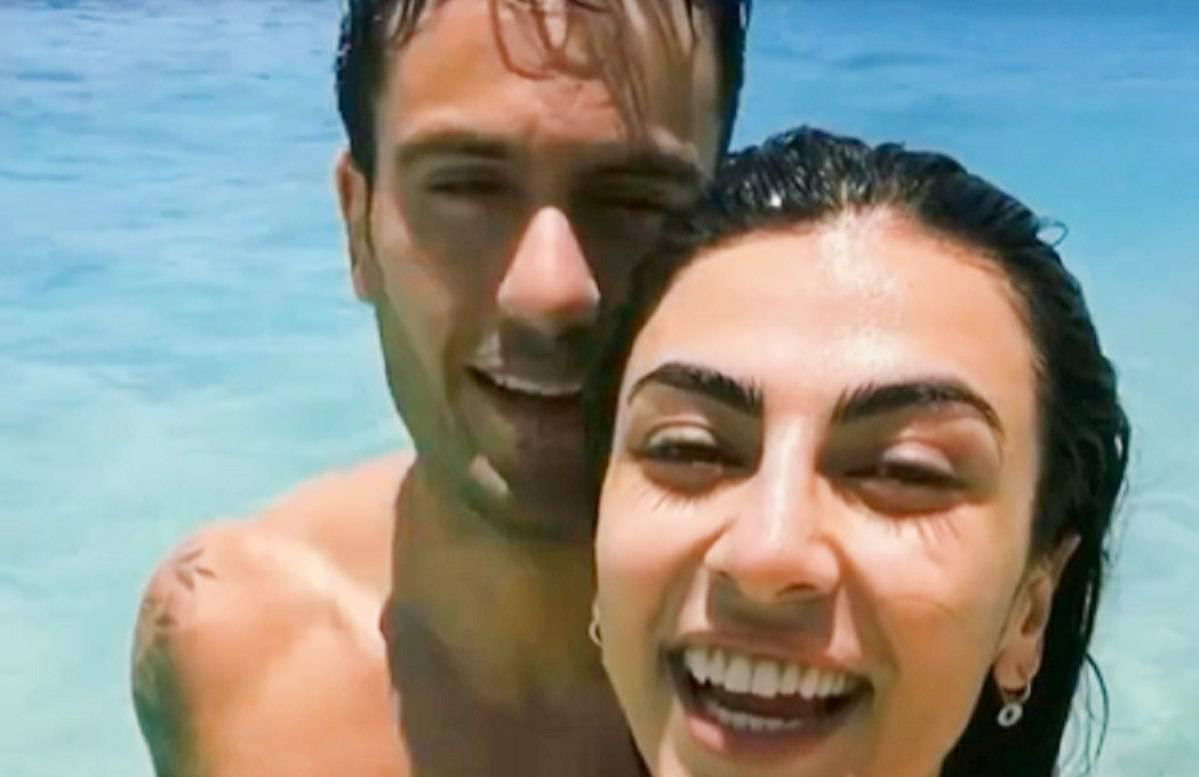 Giulia Salemi e Pierpaolo Pretelli in vacanza