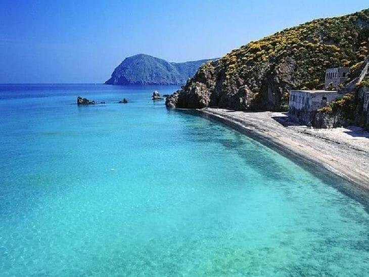 Spiaggia Bianca della Papesca a Lipari
