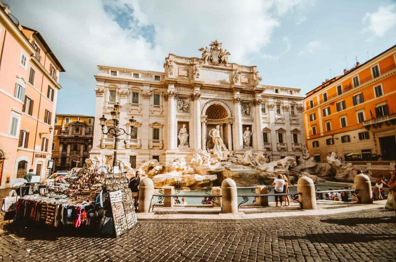 Green Pass Italia ed europeo, coprifuoco, quarantena: Draghi rilancia il turismo