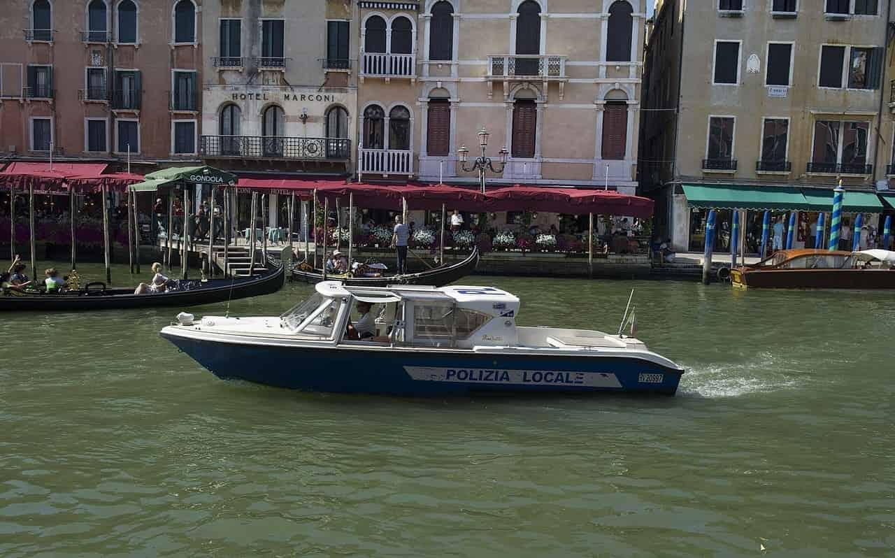 hotel bauer caduto turista venezia
