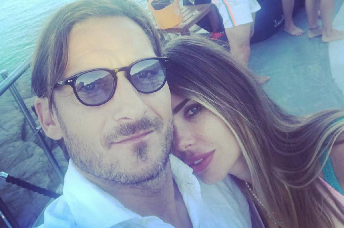 La foto dell'anniversario di nozze di Ilary Blasi e Francesco Totti