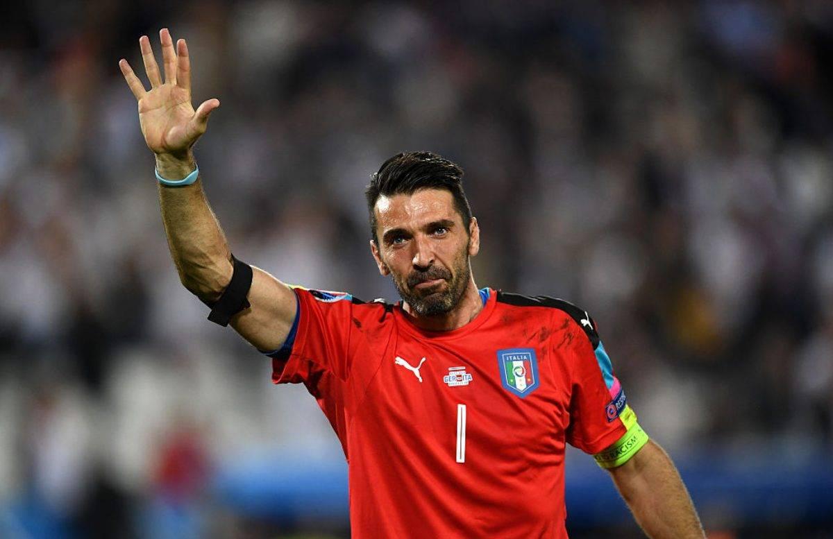Gigi Buffon torna a giocare al Parma
