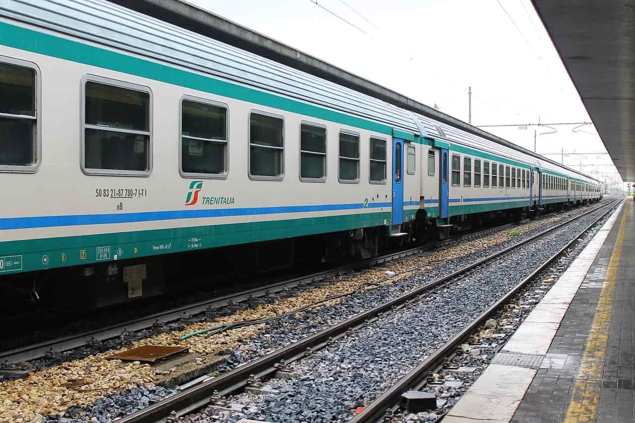 vacanze treno fermate intercity