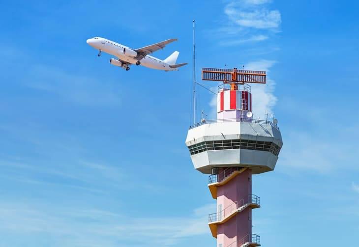 stipendio controllore di volo