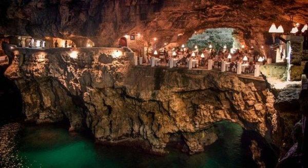 Grotta Palazzese, ristorante sul mare a Polignano a Mare