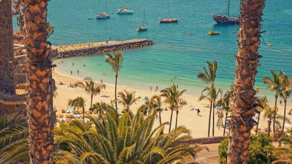 Isole Canarie stop al Green Pass