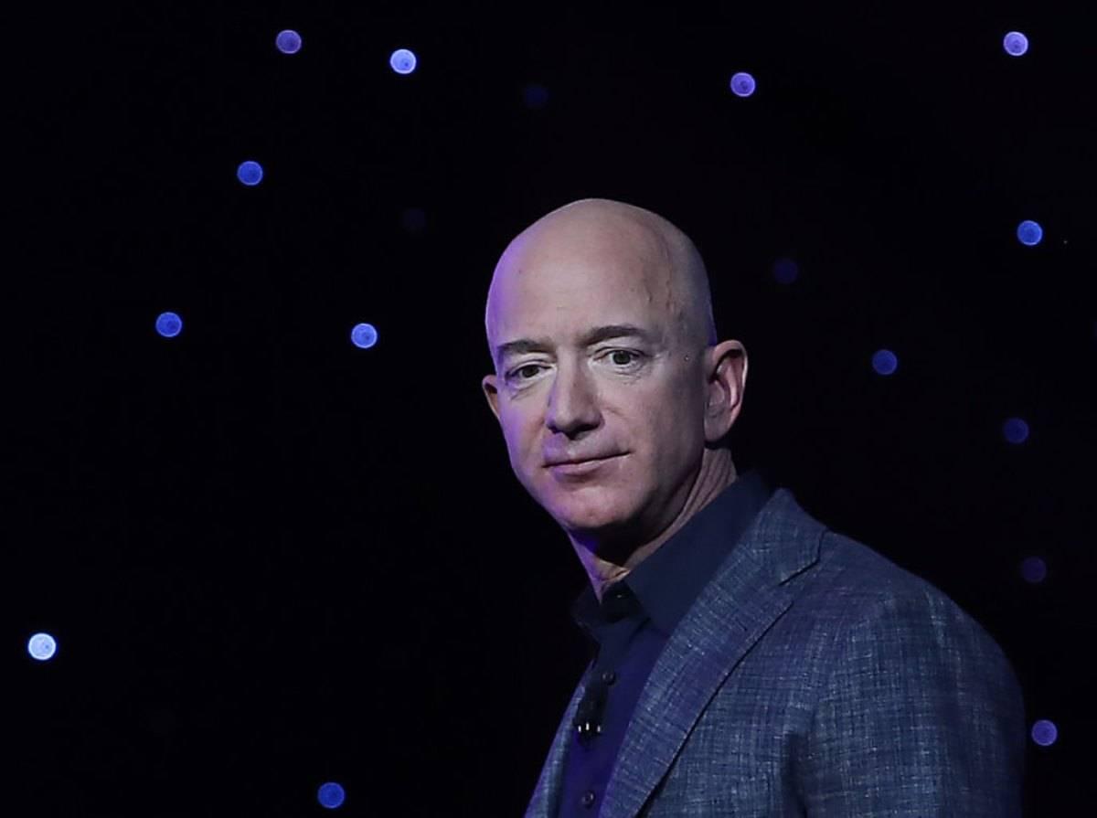 Jeff Bezos, leader di Amazon è in Sicilia