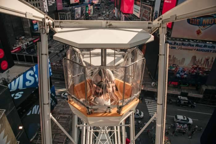 La vista dalla ruota panoramica di Time Square