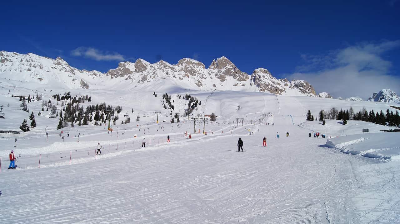 Green pass sulle piste da sci: le nuove regole per l'apertura degli impianti