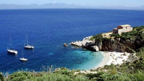 La spiaggia d'Italia dove fare il bagno a ottobre
