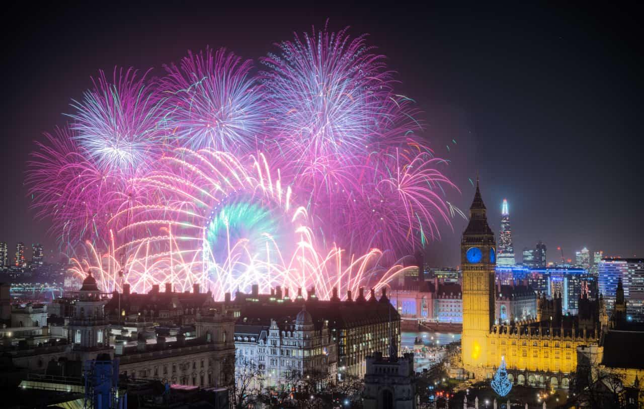 capodanno londra 2022 fuochi artificio