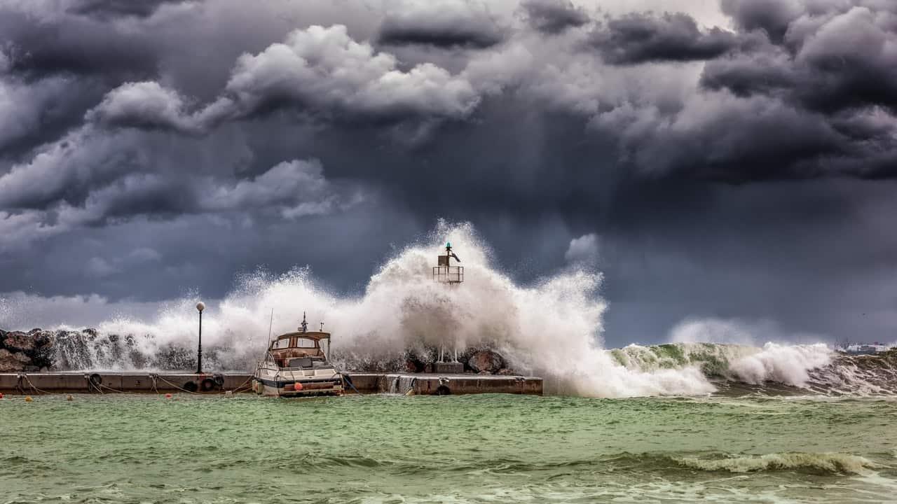 Allerta meteo in Calabria e Sicilia: scuole chiuse per il maltempo