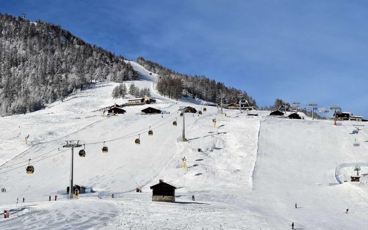 Si torna sulle piste da sci: i primi due impianti riaperti dopo la pandemia