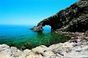 4767533011 f477f416901 300x197 Guida Estate 2011| Sicilia, lisola di Pantelleria: straordinarie bellezze naturali
