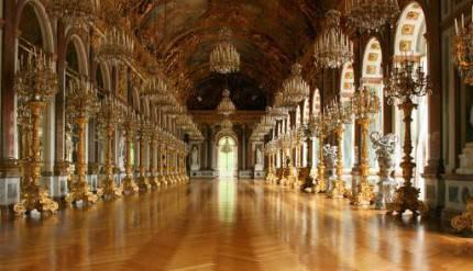 Idee di viaggio: un giro tra i castelli da favola del Re ...
