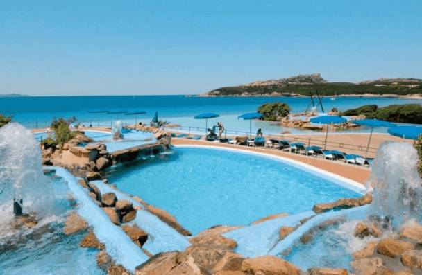 Top 5 gli hotel con le piscine pi belle al mondo for Belle case con piscine