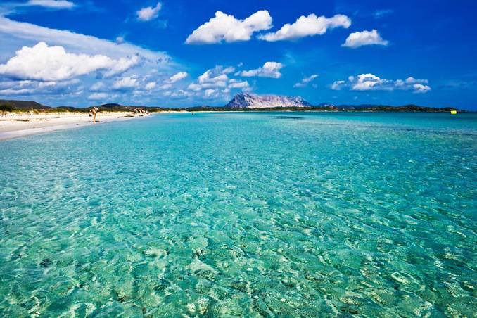Caraibi no italia ecco la spiaggia piu 39 bella d 39 europa for Isole da sogno a sud della birmania codycross