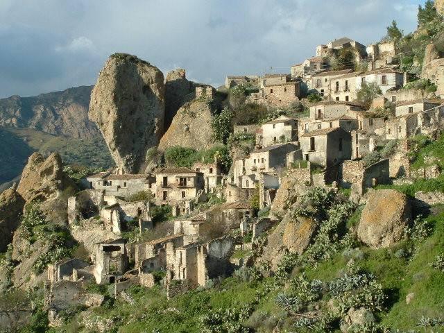 Pentedattilo (Reggio Calabria)
