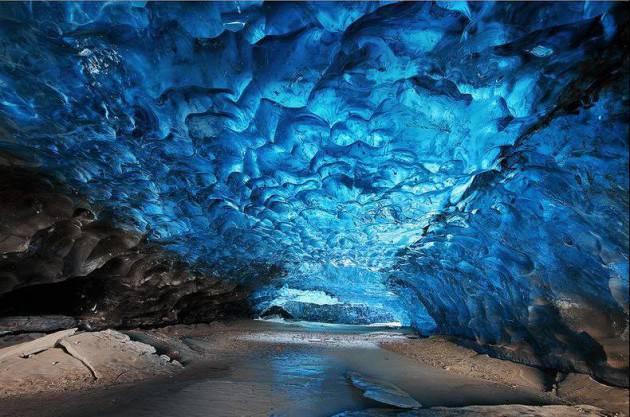 Islanda, le grotte luminose