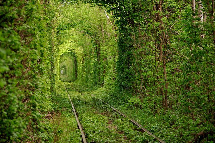 Tunnel dell'amore, Ucraina.