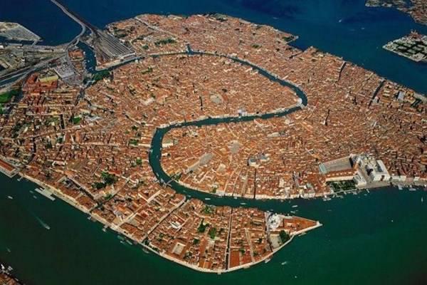 Venezia, Italia città dove perdersi