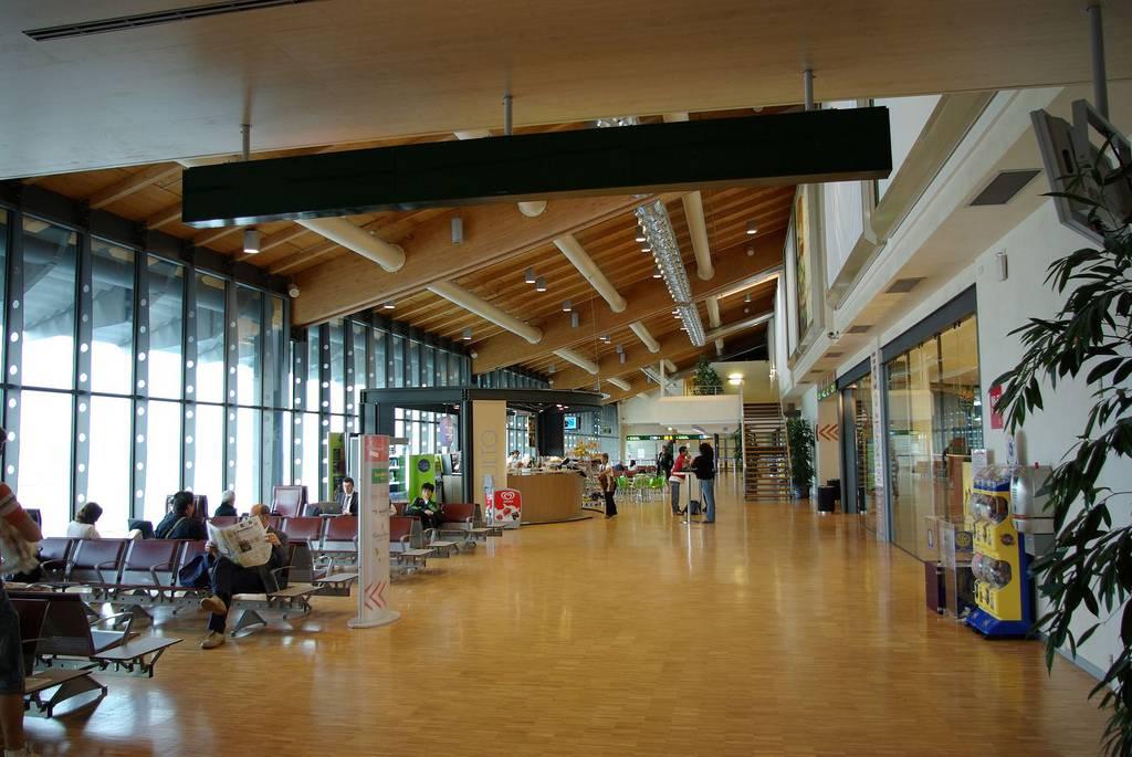 Aeroporto Treviso : Trasporti riapre l aeroporto di treviso viaggi news